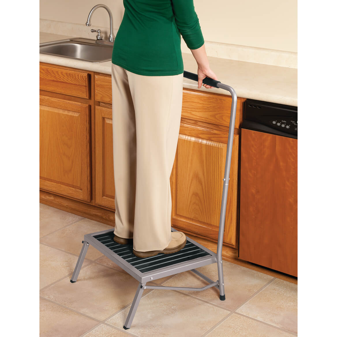 Extra Wide Folding Step Stool with Handle                 XL-344953