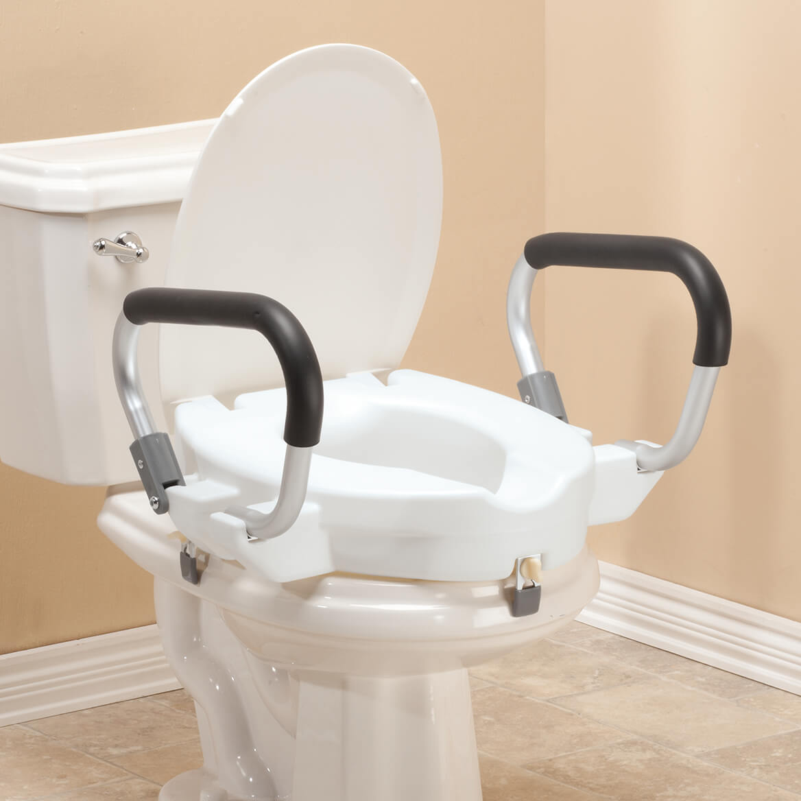"4"" Toilet Seat with Arms and Lid           XL-357861"