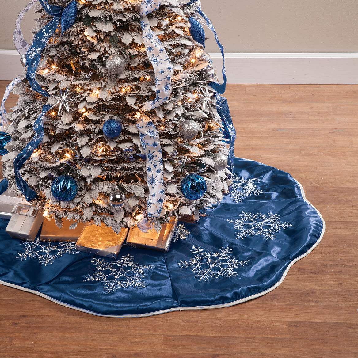 Frosted Winter Style Snowflake Tree Skirt by Holiday Peak™-365037