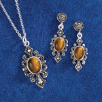 Jewelry & Accessories - Tiger's Eye Pendant & Earring Set