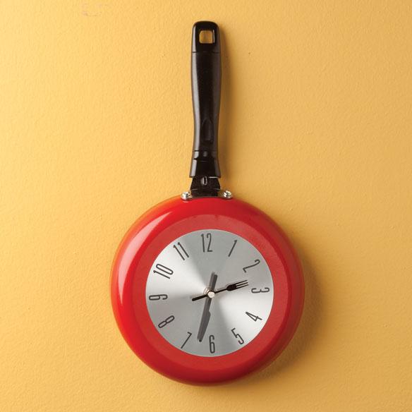 Uniquebella Metal Kitchen Cutlery Utensil Wall Clock Spoon: Kitchen Frying Pan Clock