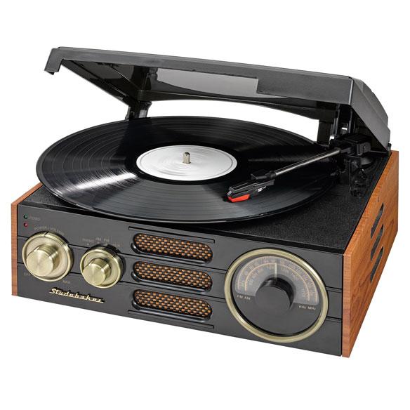Studebaker 3 speed turntable with am fm radio