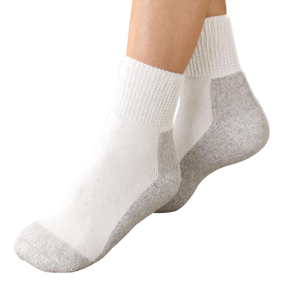 Women's Diabetic Sports Socks - 2 Pairs., One Size Women's diabetic sports socks wick away moisture, won't hinder circulation. Women's diabetic socks for shoe sizes 6-10 1/2. Machine washable. 80% cotton/15% acrylic/5% polyester. 2 pairs of white diabetic socks.