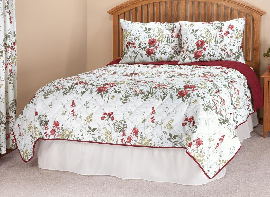 Купить со скидкой Reversible Ruby Meadow Comforter by OakRidge